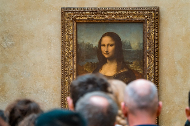 Photo of the Mona Lisa at the Louvre Museum in Paris, France